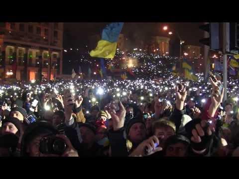 200-000-chelovek-poyut-gimn-ukrainy-novy1388944124-52c99afc3fa8d