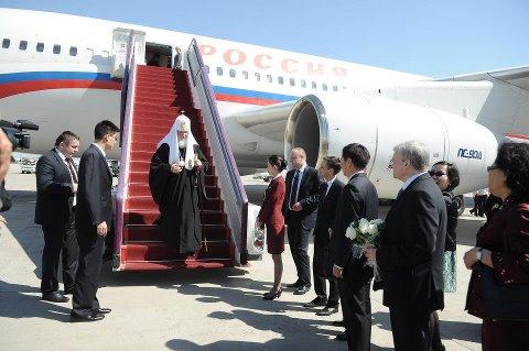 самолет-патриарха-Кирилла-Гундяева