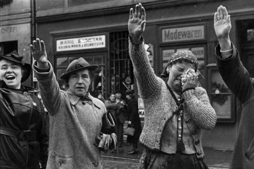 Beim Einmarsch deutscher Truppen in Eger